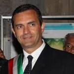 Alle 13.05 l'ufficializzazione per il primo cittadino al tribunale di  Castel Capuano.