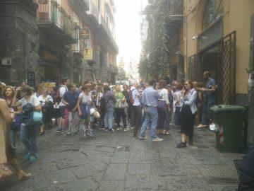 Settembre: Folla ti turisti a Napoli